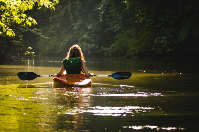 Canoeing in the Drake Bay, one of the various activities you can do in Costa Rica