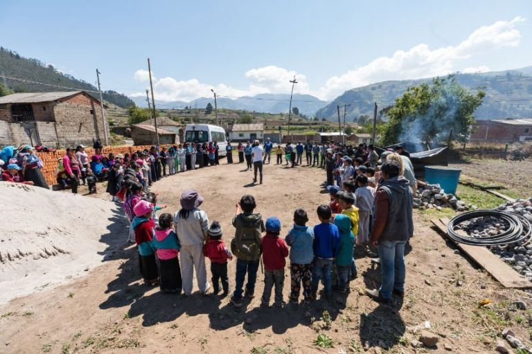 Community activity in Alao, Ecuador