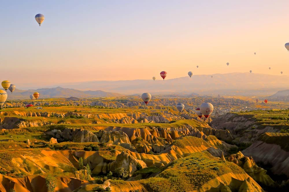 Hot air balloons over Cappadocia, Turkey (Daniela Cuevas, Turkey)